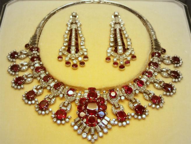Фото серьги и ожерелье