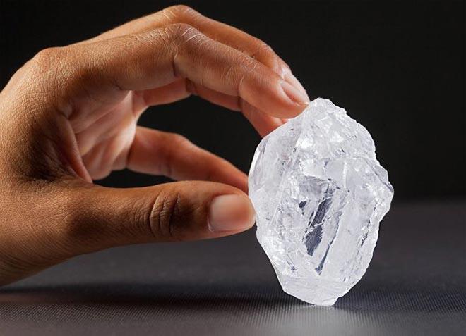 Камень алмаз