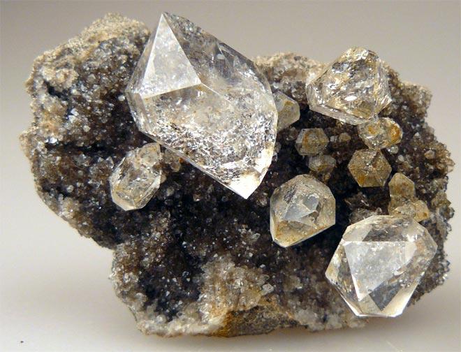 Алмаз минерал