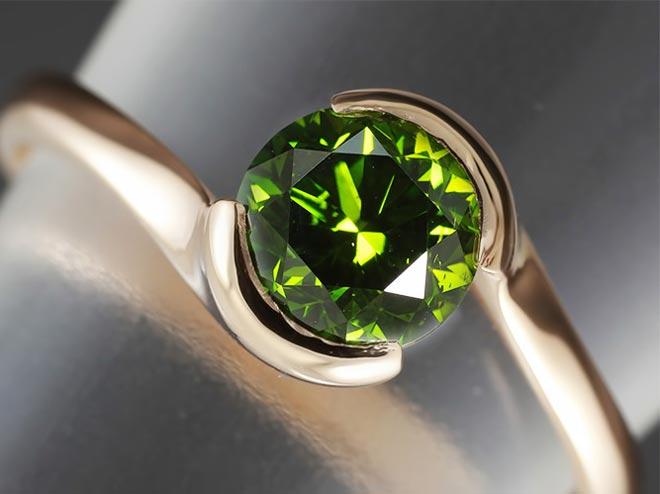 Бриллианты зеленого цвета