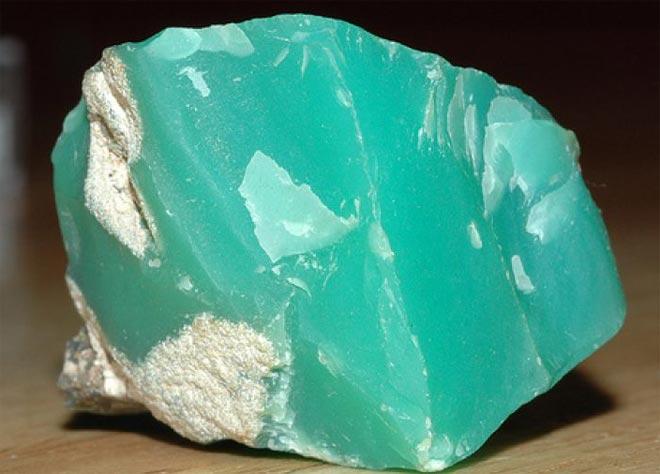 Зелёный минерал