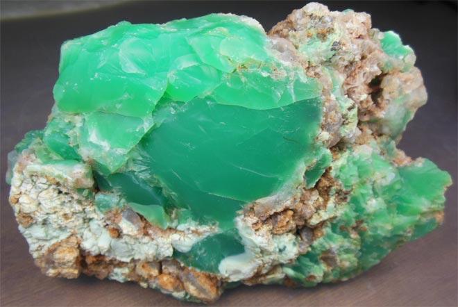 Хризопраз камень