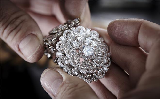 Украшения с алмазом