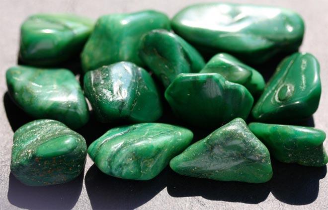 Камни жадеит