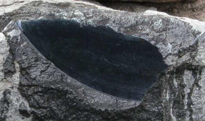 Камень в разрезе