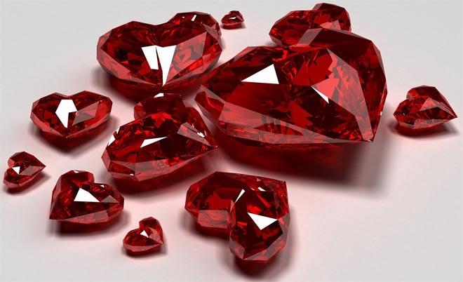 Камни в форме сердца