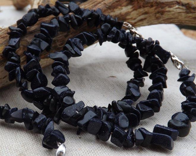 Ожерелье из черно авантюрина