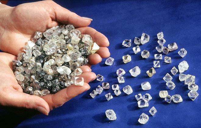 камни в руках