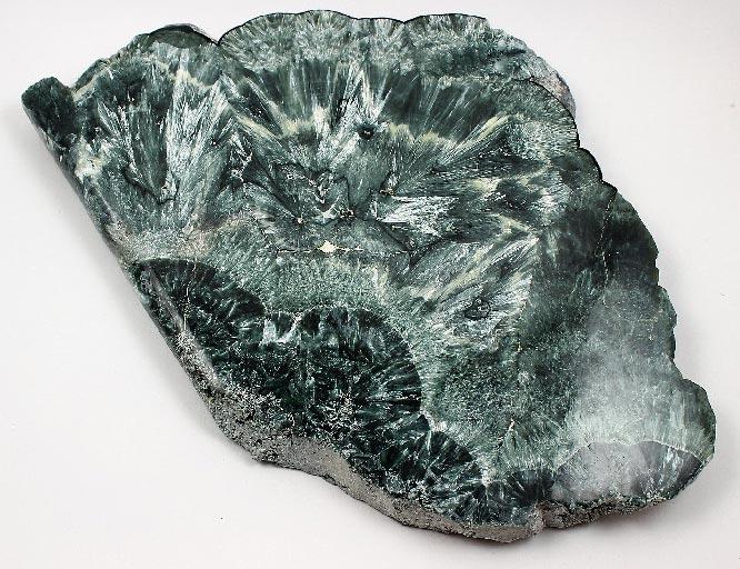 клинохлор камень
